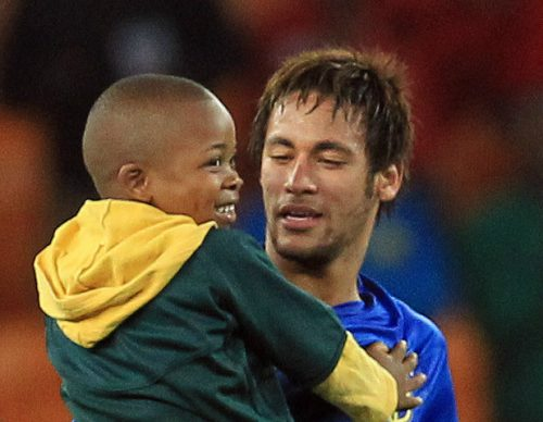 Social media abuse Neymar with kid